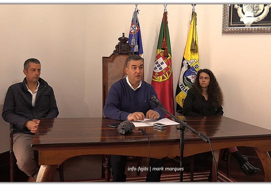 """MUNICÍPIO DE VELAS """"CHEGA-SE À FRENTE"""" E APOIA FAMÍLIAS E EMPRESAS NO CONCELHO – Ilha de São Jorge (c/ vídeo)"""