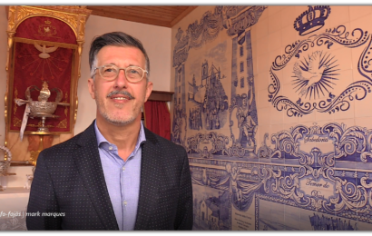ANTÓNIO PEDROSO faz uma visita guiada à sua obra – Painel de Azulejos – Império do Divino Espírito Santo – Manadas – Ilha de São Jorge (c/ vídeo)