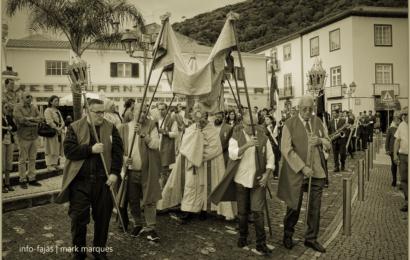 """""""TEMPOS DE ESPERA"""" – PROCISSÃO DO CORPO DE DEUS – VELAS – Ilha de São Jorge (2019) (c/ vídeo)"""