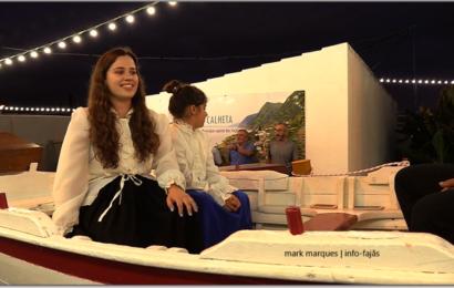 """""""TEMPOS DE ESPERA"""" – Desfile Etnográfico """" SER EMIGRANTE"""" – Festival de Julho /2019 – Vila da Calheta – Ilha de São Jorge (c/ vídeo)"""