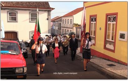 RECREIO TOPENSE desfila nas Festas de Nª Srª do Rosário – Vila do Topo – Ilha de São Jorge (c/ vídeo)