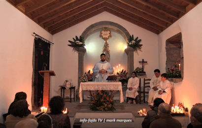 FESTA NA ERMIDA DE Nª SRª DAS CANDEIAS – Fajã de Santo Amaro – Ilha de São Jorge (c/ vídeo)
