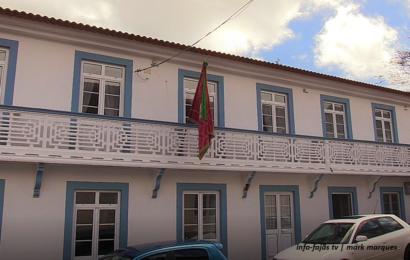 VISITA GUIADA ÀS INSTALAÇÕES DA CASA DO DIVINO ESPÍRITO SANTO – Santo Antão – Ilha de São Jorge (c/ vídeo)