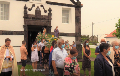 FESTA DE Nª Srª DO ROSÁRIO (Procissão) – Norte Pequeno – Ilha de São Jorge (c/ vídeo)